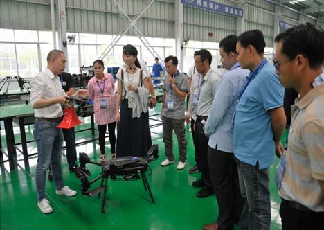 我们是一家专业的无人机制造工厂