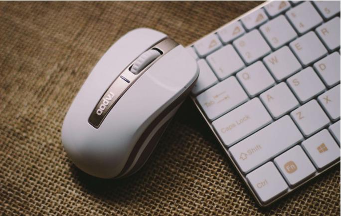 如果你的鼠标移动时定位不准说明该换颗晶振了